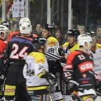 12-01-2014_allgau-derby_eishockey_indians_ecdc-memmingen_erc-sonthofen_niederlage_poeppel_new-facts-eu20140112_0052