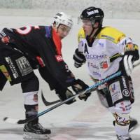 12-01-2014_allgau-derby_eishockey_indians_ecdc-memmingen_erc-sonthofen_niederlage_poeppel_new-facts-eu20140112_0057