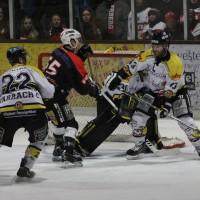 12-01-2014_allgau-derby_eishockey_indians_ecdc-memmingen_erc-sonthofen_niederlage_poeppel_new-facts-eu20140112_0064