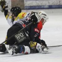 12-01-2014_allgau-derby_eishockey_indians_ecdc-memmingen_erc-sonthofen_niederlage_poeppel_new-facts-eu20140112_0069