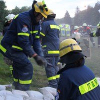 13-09-2013_unterallgau_ettringen_katastrophenschutzteilubung_dammsicherung_kreisbrandinspektion_landratsamt_poeppel_new-facts-eu20130913_0069