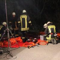 B300-Steinheim - Pkw prallt gegen Baum  Fahrer schwer verletzt