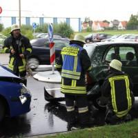 16-09-2013_memmingen_unfall_dr-karl-lenz-strasse_feuerwehr-amendingen_poeppel_new-facts-eu20130916_0012