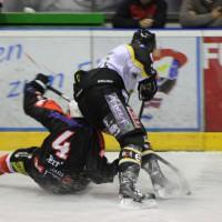 17-09-2013_ecdc-memmingen_indians_ev-fussen_vorbereitungsspiel_eishockey_poeppel_new-facts-eu20130917_0135