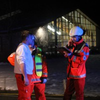 B19-Fischen - Frontalzusammenstoss im Begegnungsverkehr - zahlreiche Verletzte - Rettungsdienst und Feuerwehr im Einsatz
