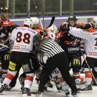 22-11-2013_eishockey_memmingen_indians_ecdc_buchloe-pirates_poeppel_new-facts-eu20131122_0086