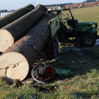 25-02-2015_unterallgaeu_legau_traktor-unfall_grolll_new-facts-eu20140225_0008