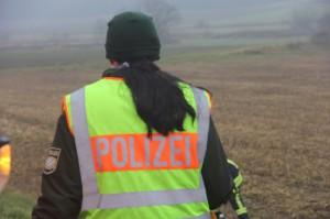 26-12-2013_b16_loppenhausen_pkw-uberschlagen_verletzte_feuerwehr_poeppel_new-facts-eu20131226_0013
