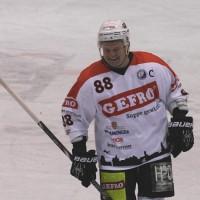 29-11-2013_ecdc-memmingen_eishockey_indians_ehc-waldkraigburg_bel_fuchs_new-facts-eu20131129_0063
