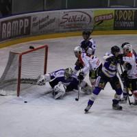 29-11-2013_ecdc-memmingen_eishockey_indians_ehc-waldkraigburg_bel_fuchs_new-facts-eu20131129_0085