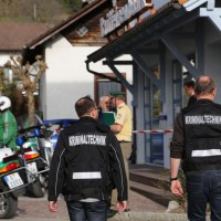 31-03-2014_oberallgaeu_haldenwang_bankueberfall_fahndung_spurensicherung_polizei_poeppel_groll_new-facts-eu20140331_0004