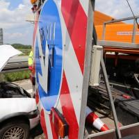 02-06-2014-a7-memmingen-unfall-pkw-sicherungsanhaenger-verletzte-feuerwehr-new-facts-eu_0006