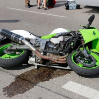 15-06-2014-neu-ulm-illertissen-betlinshausen-unfall-motorrad-pkw-wis-new-facts-eu_0004