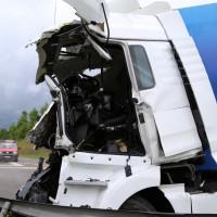 30-06-2014-bab-a96-leutkirch-unfall-lkw-sperrung-feuerwehr-sicherungsanhaenger-groll-new-facts-eu (16)