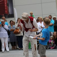 05-07-2014-memmingen-strassenkuenstler-memminger-meile-poeppel-new-facts-eu20140705_0034
