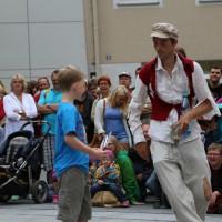 05-07-2014-memmingen-strassenkuenstler-memminger-meile-poeppel-new-facts-eu20140705_0036