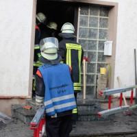 22-08-2014-guenzburg-ziemetshausen-brand-wohnung-kinder-familie-lebensgefahr-feurwehr-zwiebler-new-facts-eu055