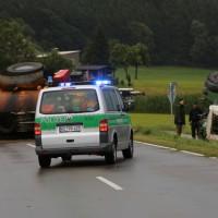 26-08-2014-mindelheim-b18-anna-unfall-traktor-guellefass-sperrung-polizei-poeppel-new-facts-eu (13)