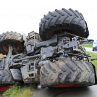 26-08-2014-mindelheim-b18-anna-unfall-traktor-guellefass-sperrung-polizei-poeppel-new-facts-eu (4)