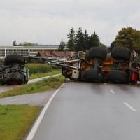 26-08-2014-mindelheim-b18-anna-unfall-traktor-guellefass-sperrung-polizei-poeppel-new-facts-eu (7)