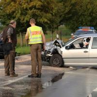 05-09-2014-buxheim-steinheim-egelseerstrasse-unfall-frontal-verletzt-feuerwehr-poeppel-new-facts-eu (18)