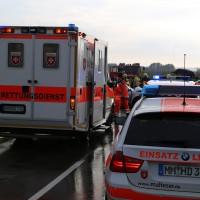 05-09-2014-buxheim-steinheim-egelseerstrasse-unfall-frontal-verletzt-feuerwehr-poeppel-new-facts-eu (3)