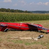 06-09-2014-neu-ulm-osterberg-flugzeugabsturz-piloten-luftunfall-polizei-feeurwehr-wis-new-facts-eu
