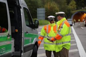 11-10-2014-ostallgaeu-a7-fuessen-tunnel-katastrophenschutz-feuerwehr-rettungsdienst-polizei-unfall-brand-bringezu-poeppel-new-facts-eu20141011_0075