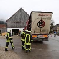 02.12.2014 LKW-in-Haus-Totalschaden-Fahrer-tot-Feuerwehr-Polizei- Rettungsdienst-Halblech-Vollsperrung-Bringezu-New-facts (15)