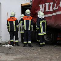 02.12.2014 LKW-in-Haus-Totalschaden-Fahrer-tot-Feuerwehr-Polizei- Rettungsdienst-Halblech-Vollsperrung-Bringezu-New-facts (38)