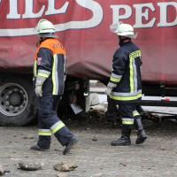 02.12.2014 LKW-in-Haus-Totalschaden-Fahrer-tot-Feuerwehr-Polizei- Rettungsdienst-Halblech-Vollsperrung-Bringezu-New-facts (42)