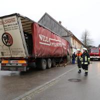 02.12.2014 LKW-in-Haus-Totalschaden-Fahrer-tot-Feuerwehr-Polizei- Rettungsdienst-Halblech-Vollsperrung-Bringezu-New-facts (5)