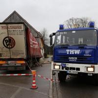 02.12.2014 LKW-in-Haus-Totalschaden-Fahrer-tot-Feuerwehr-Polizei- Rettungsdienst-Halblech-Vollsperrung-Bringezu-New-facts (61)
