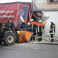02.12.2014 LKW-in-Haus-Totalschaden-Fahrer-tot-Feuerwehr-Polizei- Rettungsdienst-Halblech-Vollsperrung-Bringezu-New-facts-Unfall (1)