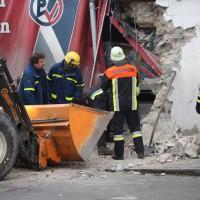 02.12.2014 LKW-in-Haus-Totalschaden-Fahrer-tot-Feuerwehr-Polizei- Rettungsdienst-Halblech-Vollsperrung-Bringezu-New-facts-Unfall (2)