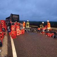 A8 Merklingen Bierkutscher lädt in der Einfahrt zur A8 ab