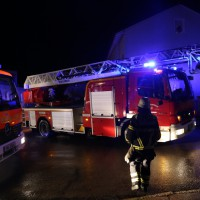 21-12-2014-memmingen-brand-garage-feuerwehr-poeppel-new-facts-eu0024