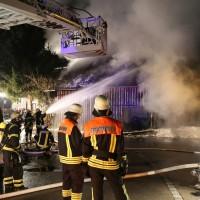 07-01-15_BY-Lautrach-Unterallgaeu_Brand-Stadel_Feuerwehr_Poeppel-new-facts-eu0005