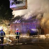 07-01-15_BY-Lautrach-Unterallgaeu_Brand-Stadel_Feuerwehr_Poeppel-new-facts-eu0010