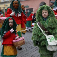 18-01-15_Memmingen_Narrensprung_Fasnet_Fasching_Nachtumzug_Stadtbachhexen_Poeppel_new-facts-eu0106