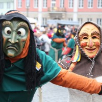 18-01-15_Memmingen_Narrensprung_Fasnet_Fasching_Nachtumzug_Stadtbachhexen_Poeppel_new-facts-eu0133