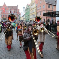 18-01-15_Memmingen_Narrensprung_Fasnet_Fasching_Nachtumzug_Stadtbachhexen_Poeppel_new-facts-eu0425
