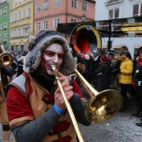 18-01-15_Memmingen_Narrensprung_Fasnet_Fasching_Nachtumzug_Stadtbachhexen_Poeppel_new-facts-eu0426