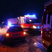 B12-Isny - Tödlicher Verkehrsunfall - Lkw rutscht in Transporter