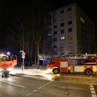 14-02-15_BY_Memmingen_Wohnungsbrand-Hochhaus_Feuerwehr_Poeppel_new-facts-eu0012
