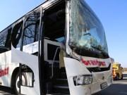 20-03-15_BY-Unterallgaeu_Westerheim_Unfall_Bus-Lkw_Polizei_Poeppel_new-facts-eu0004