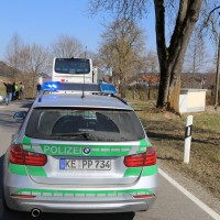 20-03-15_BY-Unterallgaeu_Westerheim_Unfall_Bus-Lkw_Polizei_Poeppel_new-facts-eu0014