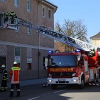 07-04-15_BY_Memmingen_Brand-Wohnung_Bahnhofstrasse_Feuerwehr_Poeppel_new-facts-eu0001