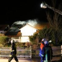 15-04-15_BY_Unterallgaeu_Ottobeuren_Brand_Dachstuhl_Feuerwehr_Poeppel_new-facts-eu0014