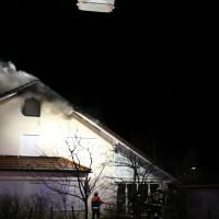 15-04-15_BY_Unterallgaeu_Ottobeuren_Brand_Dachstuhl_Feuerwehr_Poeppel_new-facts-eu0084